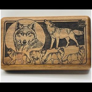 """Wolf Carved Wooden Trinket Box Woodenware 7x4x1.5"""""""